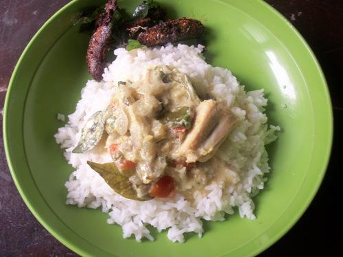 Meen Molee(Fish cooked in Coconut Milk)