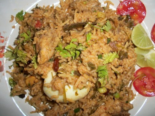 Spicy Chicken Biryani + Tips to Avoid Whole Spices Catching in Mouth