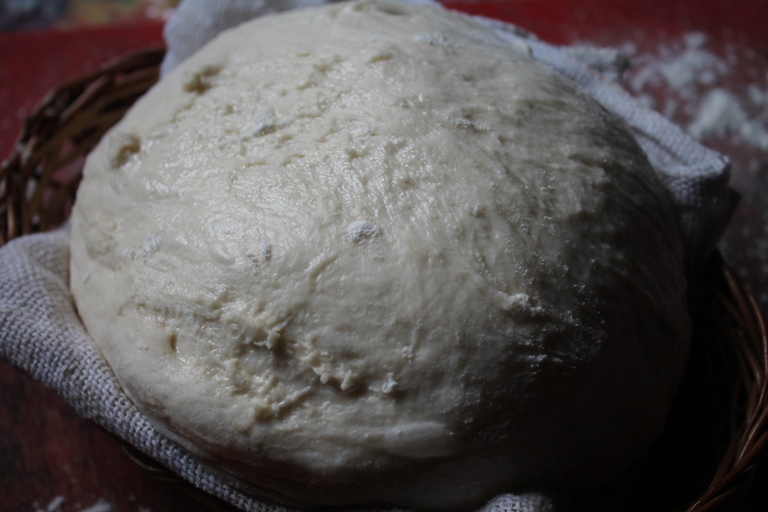Basic Pizza Dough Recipe / How to Make Pizza Dough from Scratch