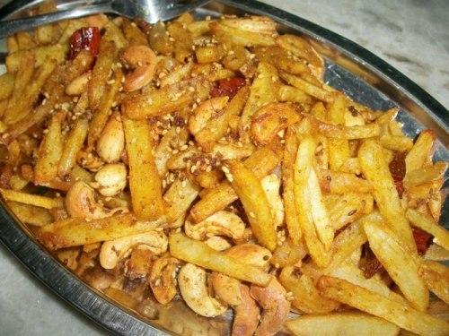 Gujarati Potato Fry with Cashewnuts