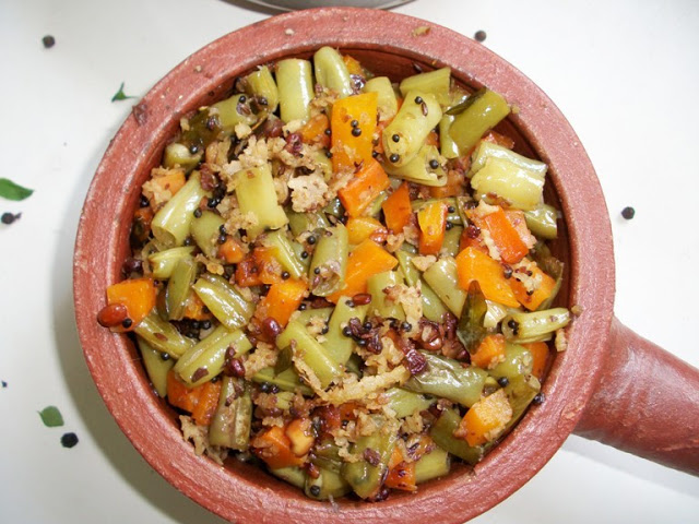 Stir-Fried Vegetables with Coconut and Peanuts / Mixed Vegatable Thoran