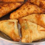 Samosa with Spiced Tapioca Stuffing / Marchini Kizhangu Stuffed Samosa