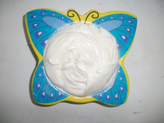 Cream Cheese Frosting using Hung Yogurt
