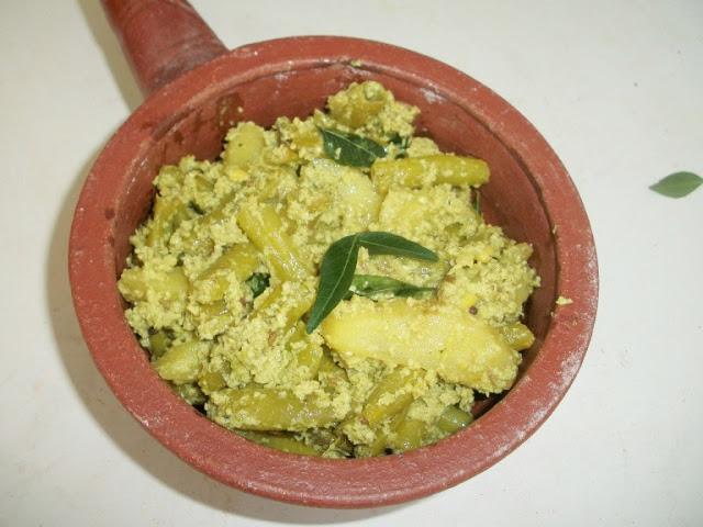 Beans Urulai Kilangu Avial / Beans Potato Avial