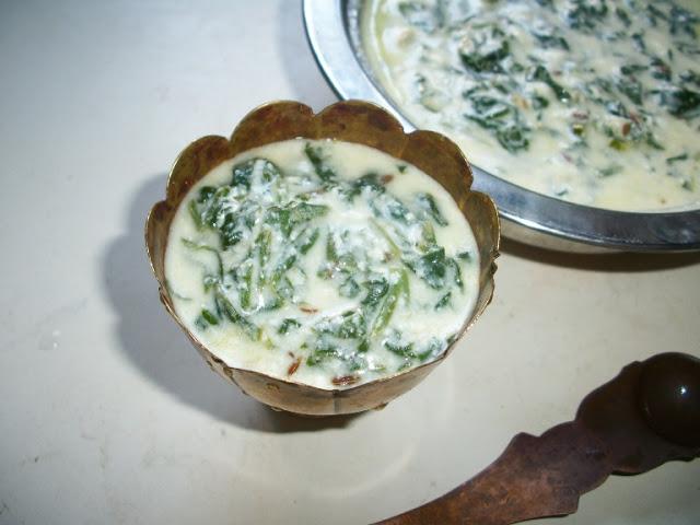 Spinach Raita Flavoured with Garlic & Cumin