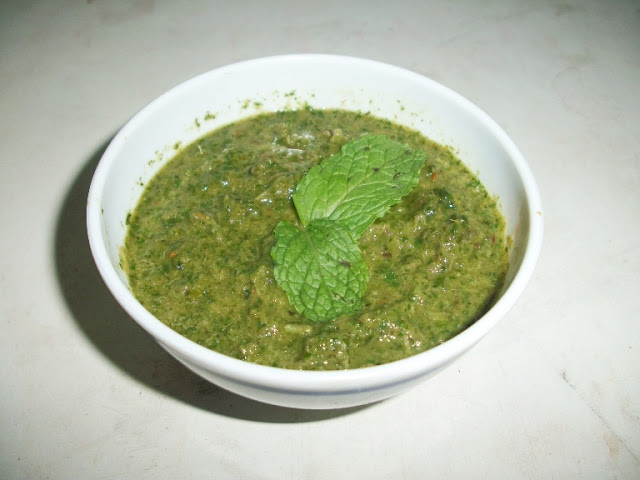 Mint Chutney for Idli or Dosa