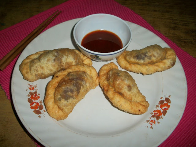 Fried Momos / Deep Fried Stuffed Vegetable Dumplings – With Step by Step Pictures & Videos