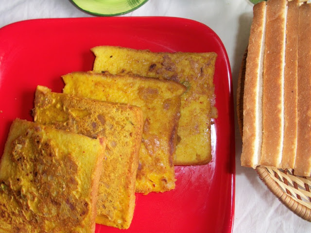 Eggless Savoury French Toast – Easy Breakfast Ideas / Lunch Box Ideas