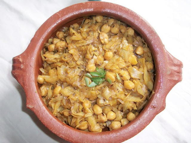 Cabbage Chana Subzi / Cabbage with Chickpeas