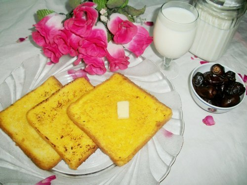 Eggless sweet french toast easy breakfast ideas yummy tummy now coming back to this dishi usually dont like to have sweet stuffs for breakfast but somedays when i have a craving for my sweet tooth then this one ccuart Image collections