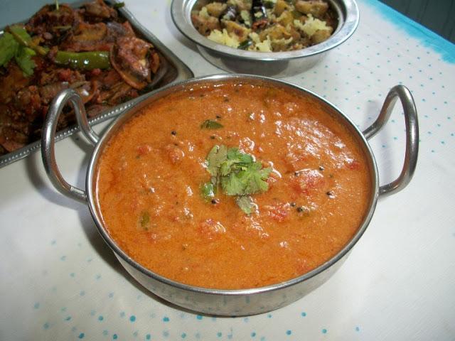 Thakkali Kulambu / Chettinadu Thakkali Kulambu / Tomatoes Cooked in a Spicy Coconut Sauce
