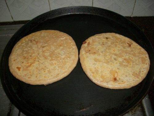 how to make pyaz ka paratha