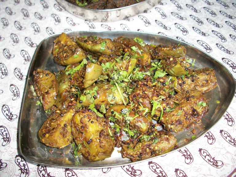 Baigan Ki Sookhi Sabzi / Vankaya Pachhi Kaaram / Eggplant Fry with Ground Spices / Brinjal Poriyal – Rajasthani Style