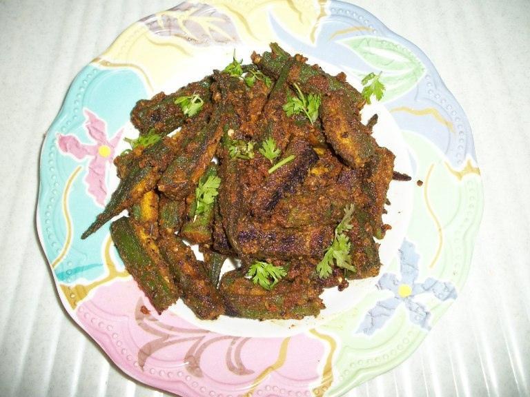Rajasthani Bhindi / Okra with Spiced Gramflour Stuffing / LadysFinger Fry- Rajasthan Style– No Onion & No Garlic Recipes