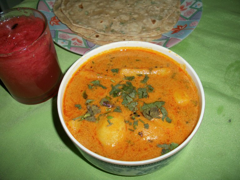 Aloo Ki Sabzi / Aloo Sabji  / Potatoes Cooked in Gram flour & Curd Sauce – Best Combo for Roti, Paratha & Poori ( No Onion, No Tomato, No Garlic)