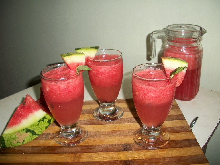 Watermelon Fizz ( Without Alcohol ) – Summer Special Recipes