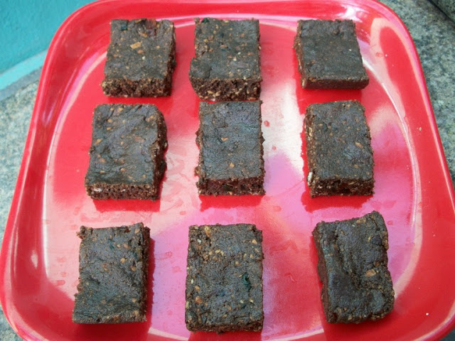 No Bake Eggless Chocolate Tutti Fruity Biscuit Fudge Brownies – For 500th Post