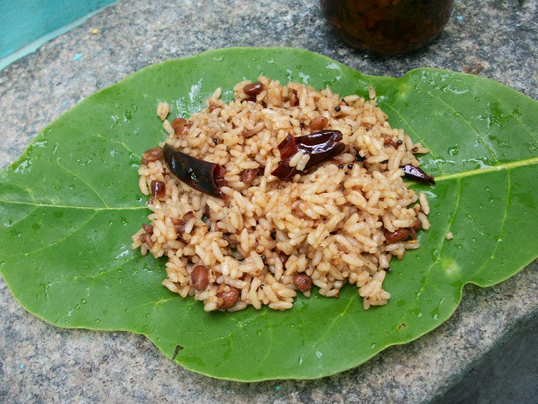 Puliyogare / Puliyodarai / Tamarind Rice – My Style / How to make Pulikaichal