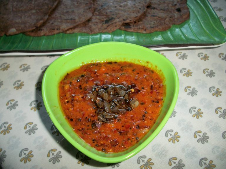 Spicy & Tangy Red Chilli & Garlic Chutney – Quick & Instant Chutney / Combo with Dosa or Idli