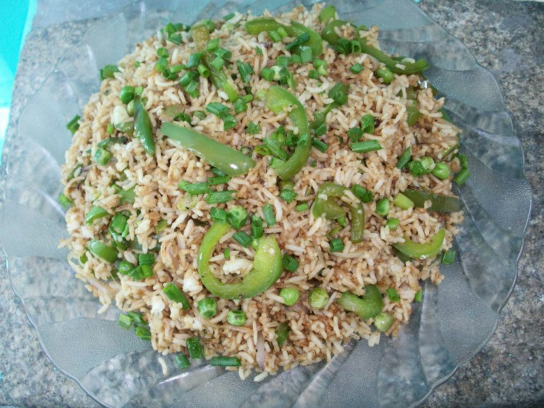 Capsicum Fried Rice / Stir Fry Bell Pepper Rice with Peas – Lunch Box Ideas / Leftover Rice Recipes / Rice in less than 15 mins