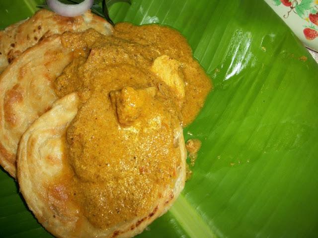 பரோட்டா சால்னா / Parota Salna / Thattukada Chicken Salna / Street Food Stall Chicken Gravy – Sidedish for Parota