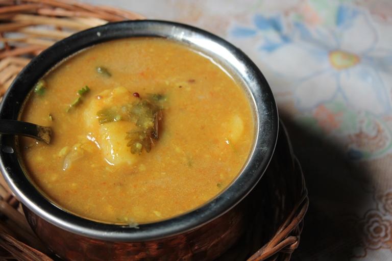 டிபன் சாம்பார் / Tiffin Sambar / Restaurant Style Sambar for Dosa, Idli or Pongal