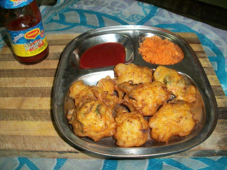 Carrot & Raisans Pakoras / Carrot & Raisan Bondas – For Magic Mingle Recipe Challenge