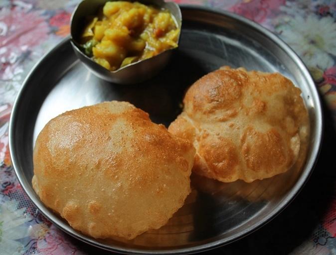 The Perfectly Puffed Poori – Puri Recipe – Deep Fried Indian Bread ( WITH VIDEO)