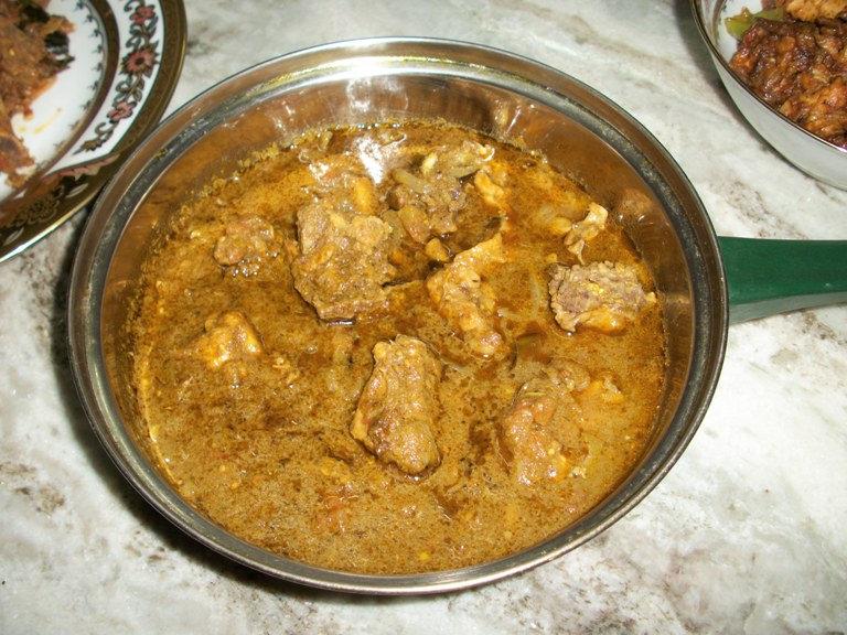 Herby Chicken Curry / Chicken Cooked in Mint & Coriander Sauce & A WEDDING WISH