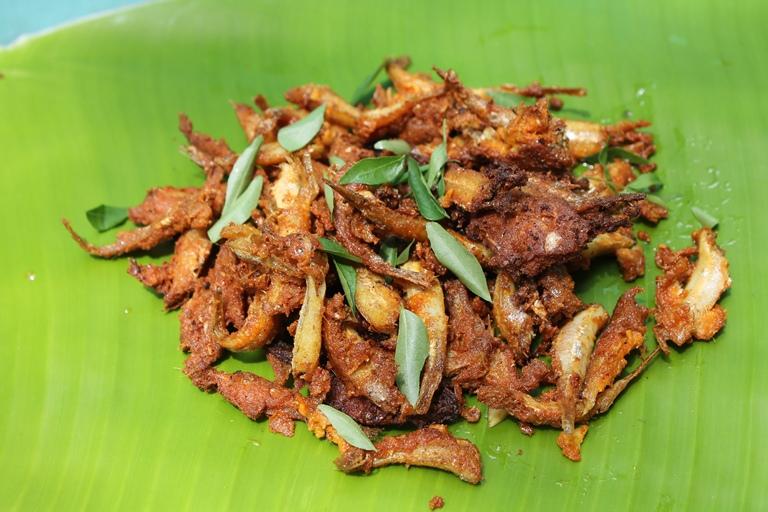 நெத்திலி மீன் வறுவல் / Nethili Meen Fry / Fried Masala Coated Anchovies