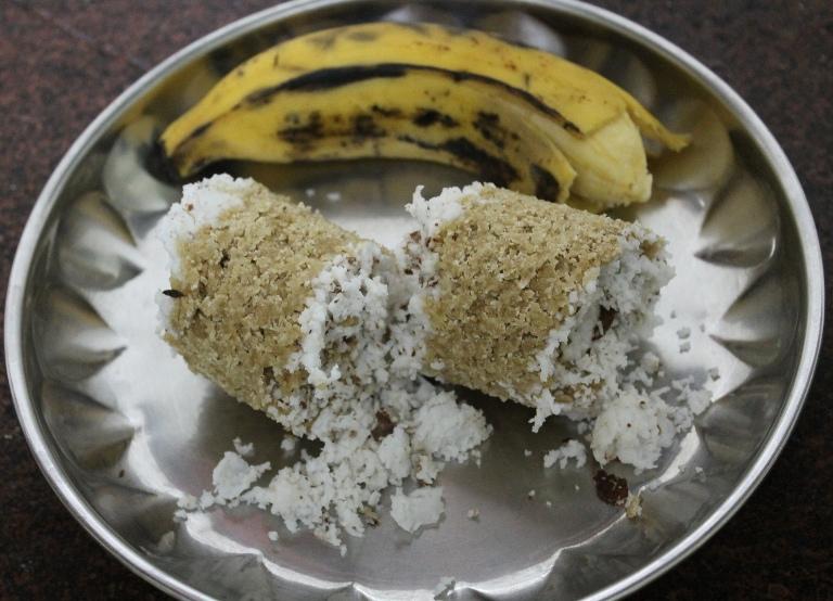 கோதுமை புட்டு / Wheat Flour (Atta) Puttu / Steamed Wheat Flour with Coconut – Healthy Breakfast Ideas