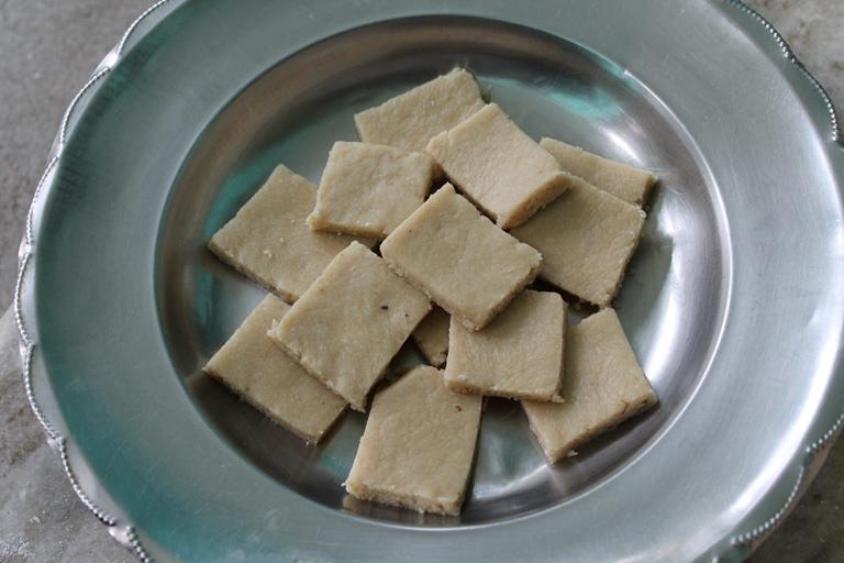 Kaju Katli / Cashew Barfi ( Burfi ) – Diwali Special Recipes
