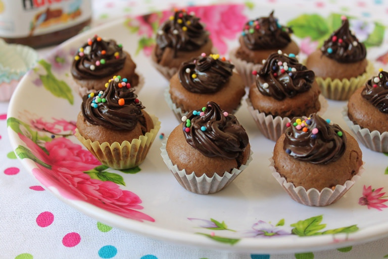 Nutella Mini Cupcakes – Just 3 Ingredients, No Butter or Oil
