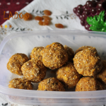 Oats & Cornflakes Ladoo / Oats Cornflakes Ladoo with Dates & Sultanas