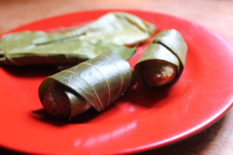 Therali Kozhukattai / Therali Appam / Sweet Steamed Rice Dumplings with Coconut & Jaggery- Ganesh Chaturthi Recipes