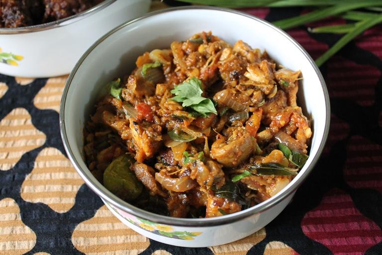Kothu Kozhi / Kothu Chicken Kari / Spicy Shredded Chicken Masala
