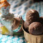 Amma's Aval Urundai / Poha Laddu (Ladoo) / Flattened Rice Flakes Balls – Krishna Jayanti Recipes