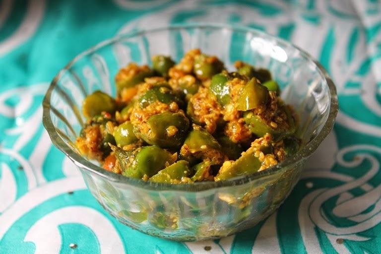 Green Chilli Pickle / Maharashtrian Chilli Pickle / Hari Mirch Ka Achar