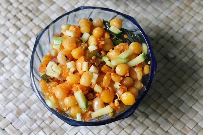 Thenga Manga Pattani Sundal / Pattani Sundal / White Peas Sundal / Beach Sundal – Navaratri Recipes