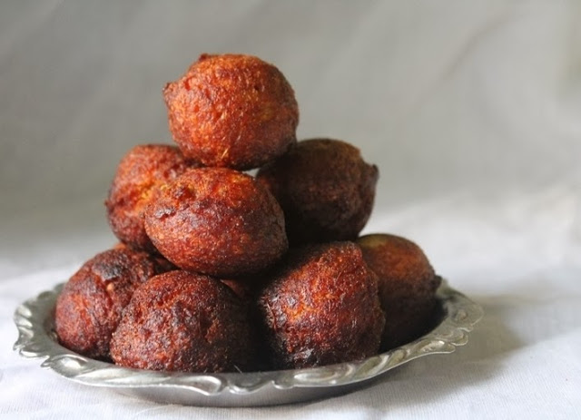 Unniappam Recipe / Unniyappam / Neyyappam / Banana Appam / Nei Appam – Karthigai Deepam Recipes