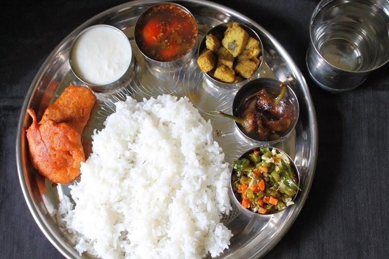Lunch Menu 1 – Ginger Rasam, Yam Poriyal, Carrot Beans Thoran, Chilli Tamarind Pickle & Vazhakkai Bajji