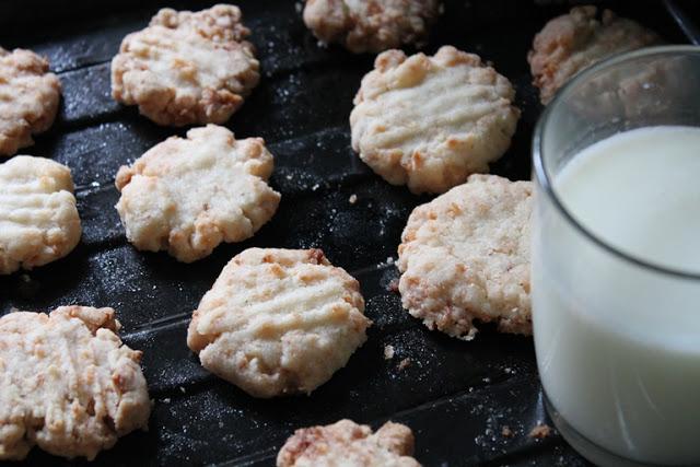 Eggless Vegan Coconut Cookies – Christmas Cookies Recipes