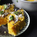 Dhokla Recipe / Khaman Dhokla Recipe / Besan Dhokla Recipe / Gujarati Dhokla with Green Chutney