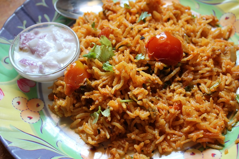 Tomato Biryani Recipe - Thakkali Biryani Recipe - Biryani in Rice ...