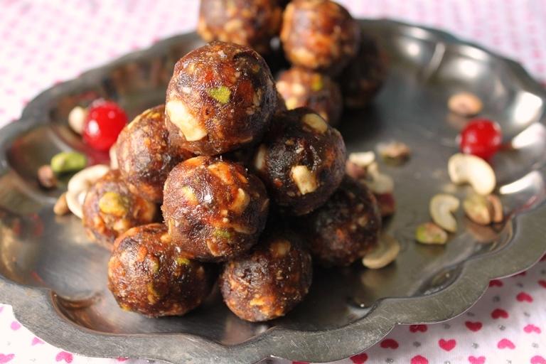 Sugar Free Dates & Nuts Ladoo / Dry Fruits & Nuts Ladoo / Dry Fruits And Khajoor Laddoo / Dates & Nuts Ladoo