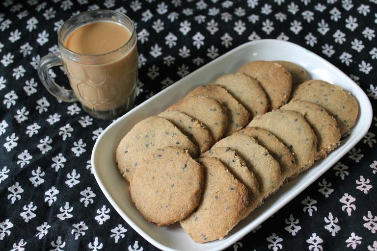 Eggless Khara Cookies Recipe / Khara Biscuits Recipe / Spicy Cookies (Biscuits) Recipe / Savoury Cookies Recipe