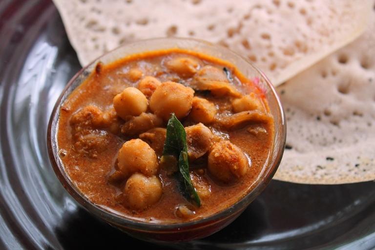 Kadala Curry Recipe / Kerala Kadala Curry Recipe / Kadala Curry for Puttu & Appam