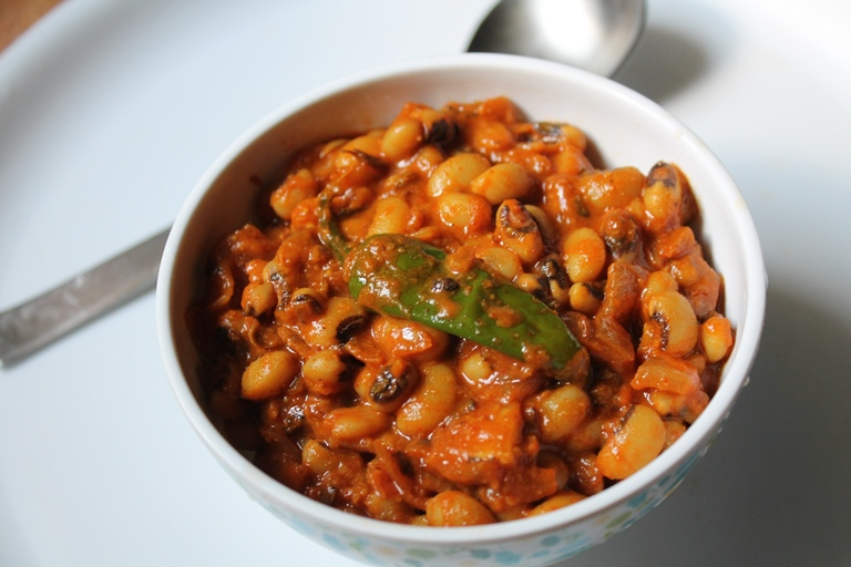 Punjabi Lobia Masala Recipe / Black Eyed Peas Masala Curry Recipe