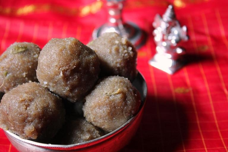 Sweet Aval Kozhukattai Recipe / Poha Sweet Kozhukattai Recipe – Ganesh Chaturthi Recipes