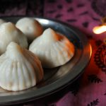 Modak Recipe / Mothagam Recipe / Thengai Poorna Kozhukattai Recipe